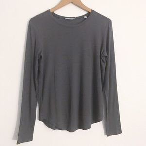 Vince essential crew neck long sleeve charcoal